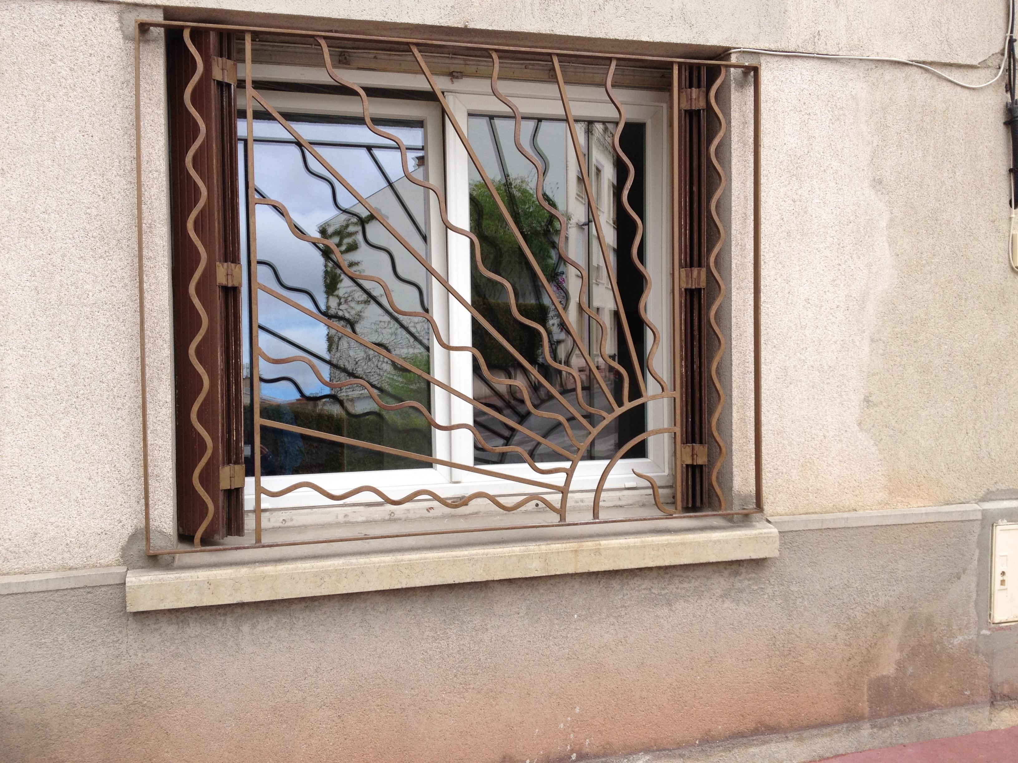 Grille Fenêtre Fer Et Pierre Ferronnerie Dart Carreaux De Ciment