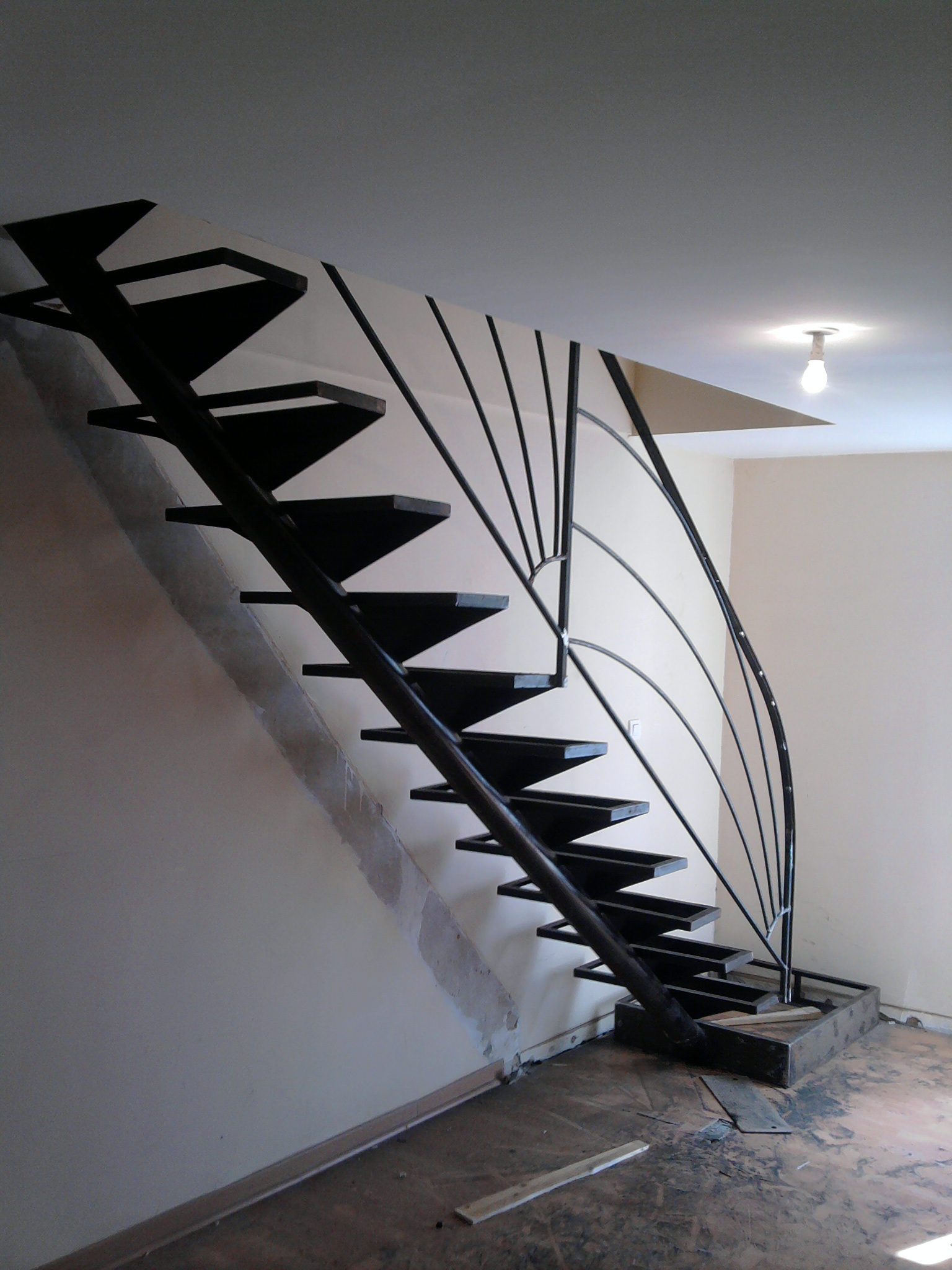 escalier fer et pierre ferronnerie d 39 art carreaux de ciment. Black Bedroom Furniture Sets. Home Design Ideas